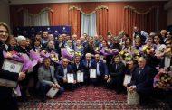Владимир Васильев вручил победителям конкурса на соискание грантов главы республики сертификаты