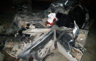 В Левашинском районе легковой автомобиль врезался в стоявший на обочине КамАЗ