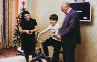 Глава Дагестана подарил велосипед девятилетнему школьнику