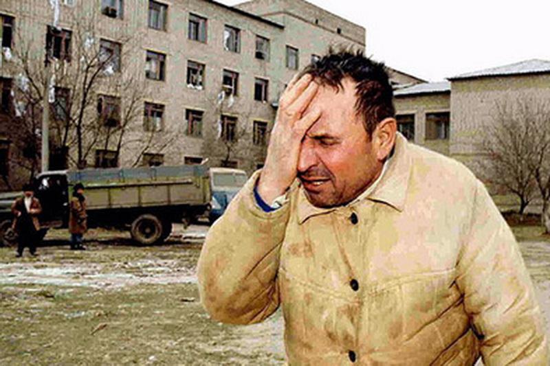 В Кизляре почтили память жертв нападения на город боевиков Салмана Радуева