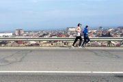 60-летний легкоатлет и пятеро добровольцев пробежали в Дагестане сверхмарафон Махачкала - Избербаш (ФОТО)