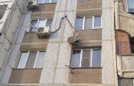 Школьник в Махачкале упал с крыши девятого этажа и остался жив