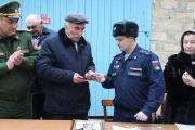 Родителям спецназовца Курбана Касумова, погибшего в Сирии, передали его награду