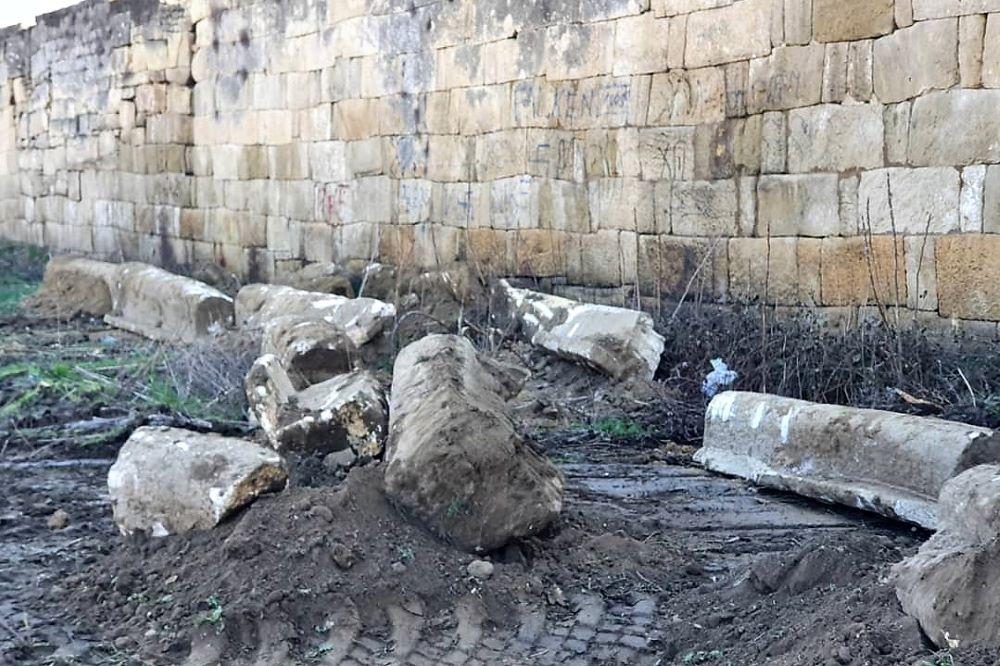В Дербентском музее-заповеднике заявили о беспечном отношении мэрии к древним захоронениям