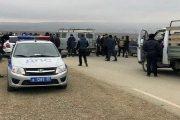 Жители поселения Шамгода-Шитлиб перекрыли дорогу, протестуя против сноса их домов
