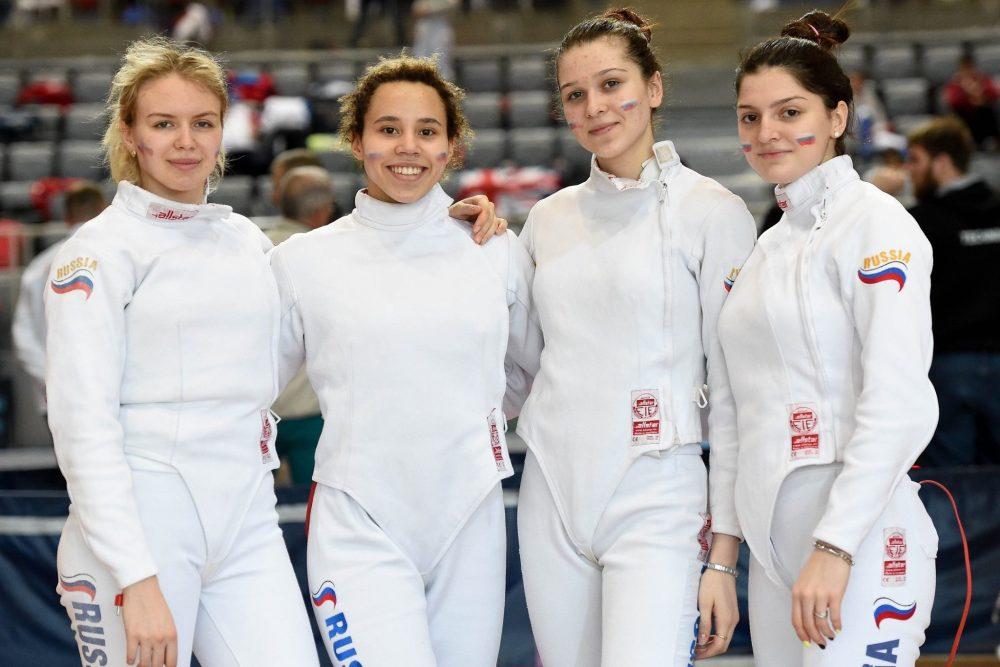 Шпажистка Айзанат Муртазаева завоевала золото первенства Европы среди юниоров