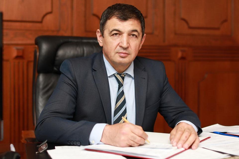 Суд отпустил главу Ахтынского района под домашний арест