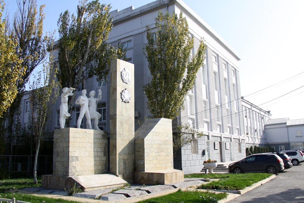 Предприятия Дагестана начали производить оборудование для больниц