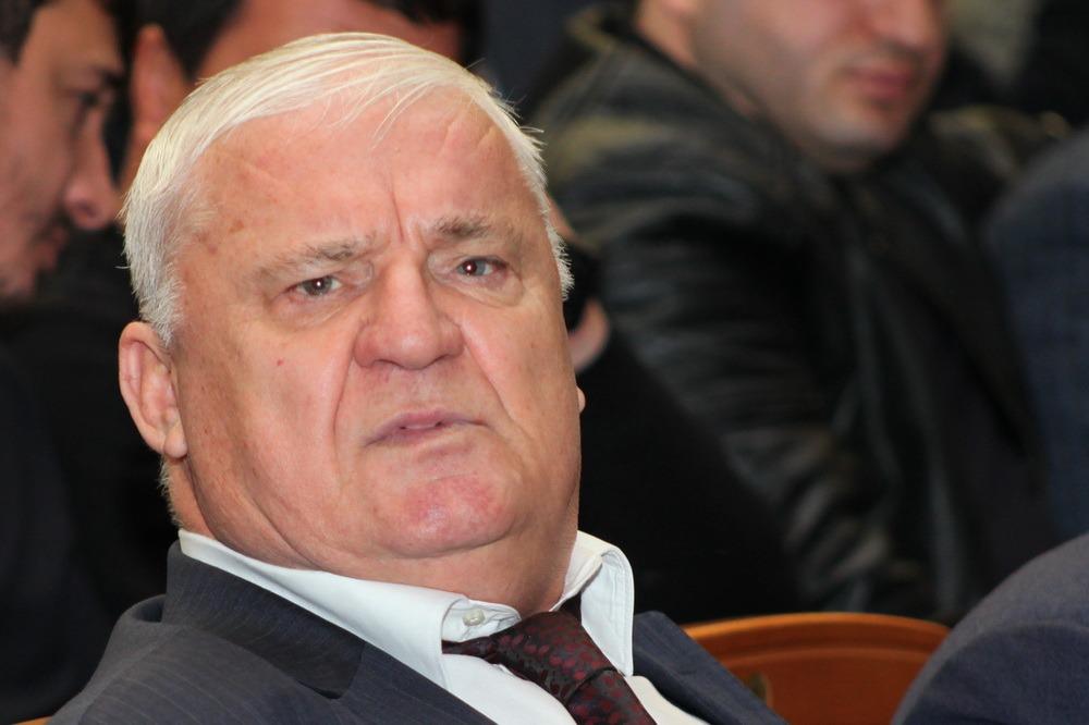 Глава Ботлихского района ушел в отставку после критики со стороны Васильева