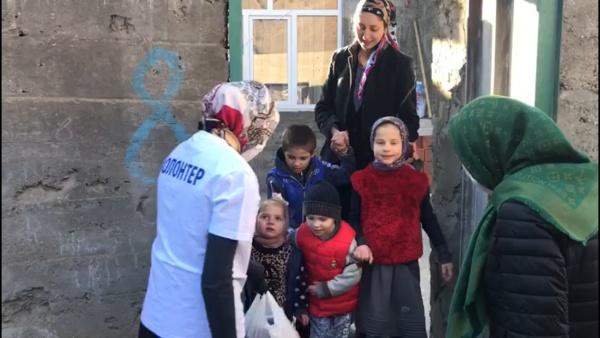 В Чародинском районе раздают продуктовые наборы первой необходимости нуждающимся семьям
