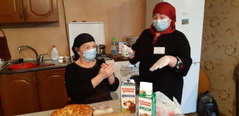 Соцработники Сергокалинского района обеспечивают пожилых граждан всем необходимым в период самоизоляции