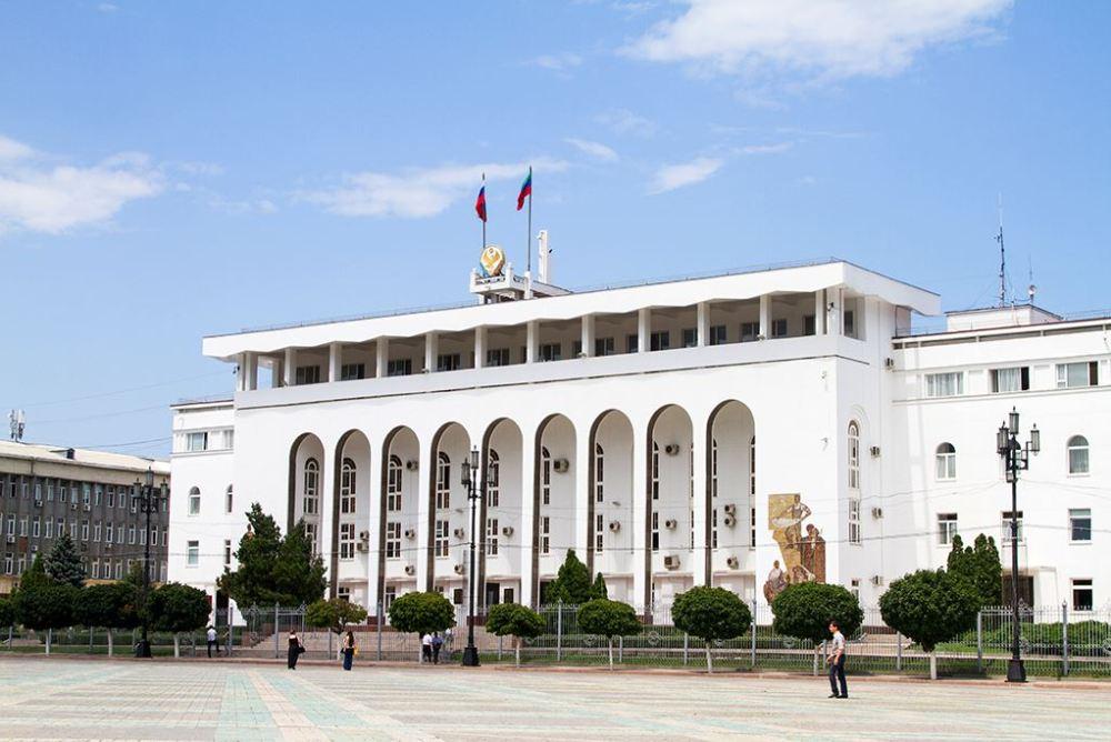 Глава Дагестана отменил спецпропуска для работающих граждан