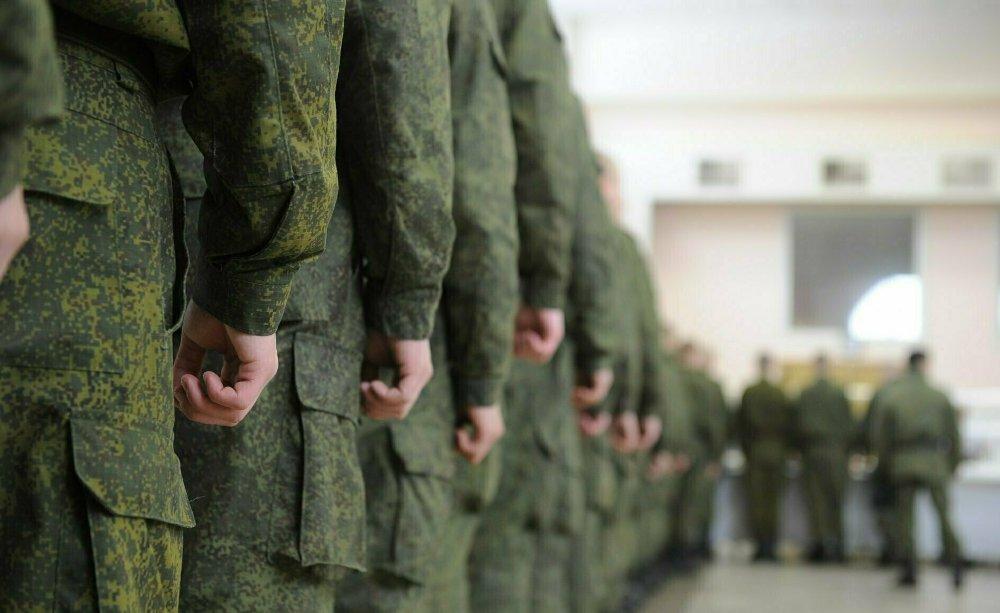 Минобороны России весной не будет призывать в армию выпускников школ