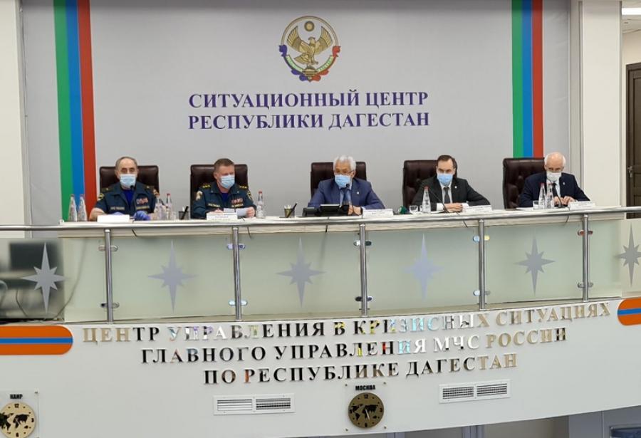 Сотрудники МЧС России продезинфицировали 987 объектов в Дагестане