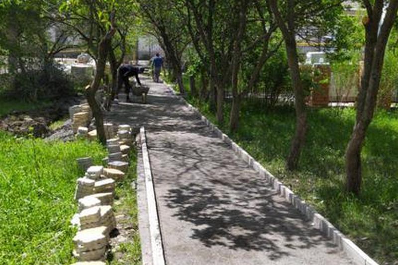 В селе Калук Ахтынского района отремонтируют два парка