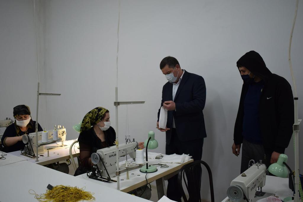 В Карабудахкентском районе педагоги шьют маски