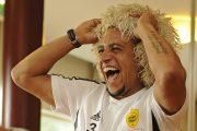 «Целую болельщиков, целую Махачкалу!» Роберто Карлос поздравил «Анжи» (ВИДЕО)