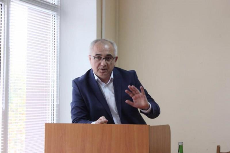 Экономист Халил Халилов о введении налога для самозанятых: «В обществе должна быть социальная справедливость»