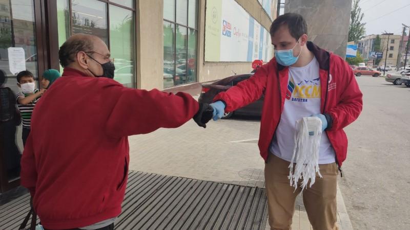 Минмолодежи Дагестана провело акцию по раздаче масок