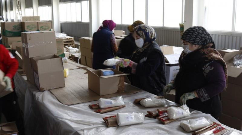 В первый день проекта «Мы вместе» в районы Дагестана доставлено 3000 продуктовых наборов