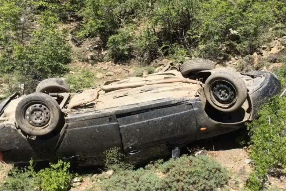 В Шамильском районе из-за камнепада погибли водитель и пассажир «Приоры» (ФОТО)