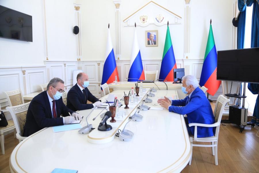 Владимир Васильев провел встречу с заместителем министра здравоохранения России Виктором Фисенко