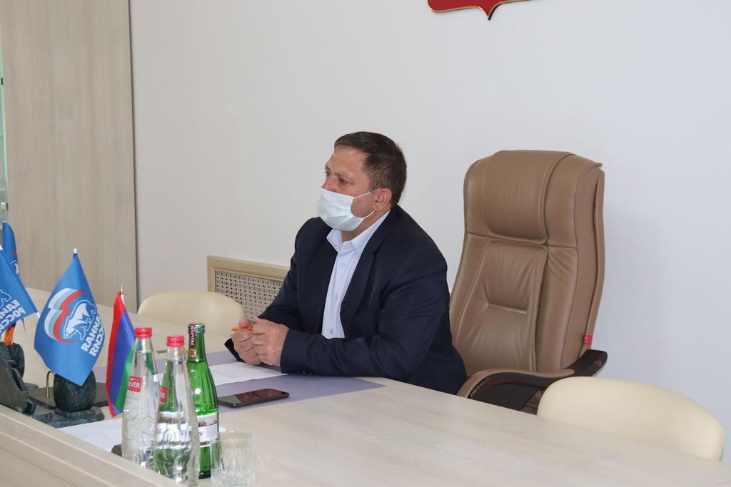 В Докузпаринском районе будет организовано производство медицинских масок и повязок