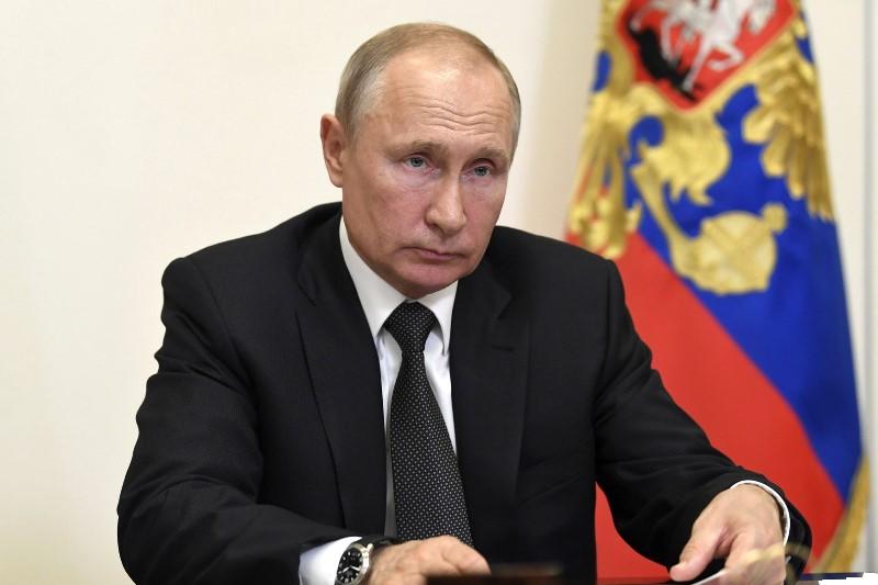 Путин поздравил семью из Дагестана с Днем защиты детей
