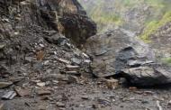 Дожди спровоцировали сход лавины и камнепады в горах Дагестана. Никто не пострадал