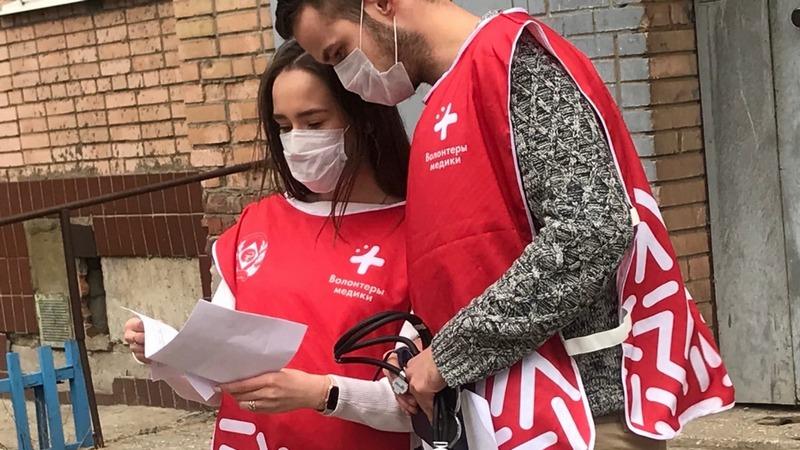 В Дагестане врачам в лечении больных с COVID-19 помогают более ста волонтеров-медиков