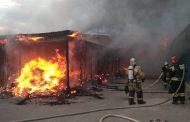 В Махачкале загорелся рынок у Южной автостанции(ФОТО)