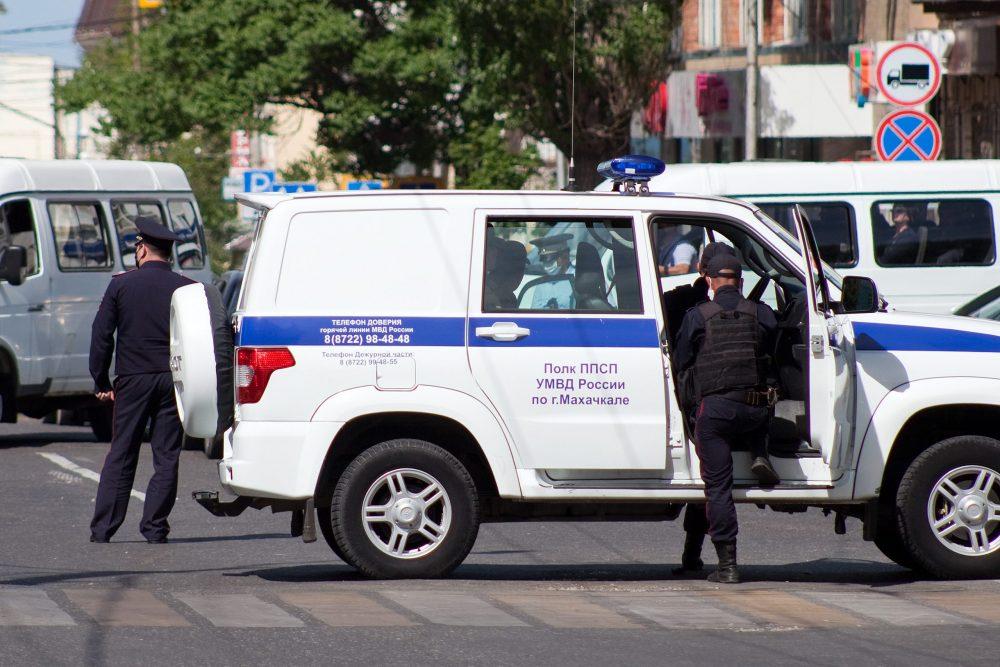 Власти объявили о снятии ограничений для транспорта в Махачкале и Каспийске