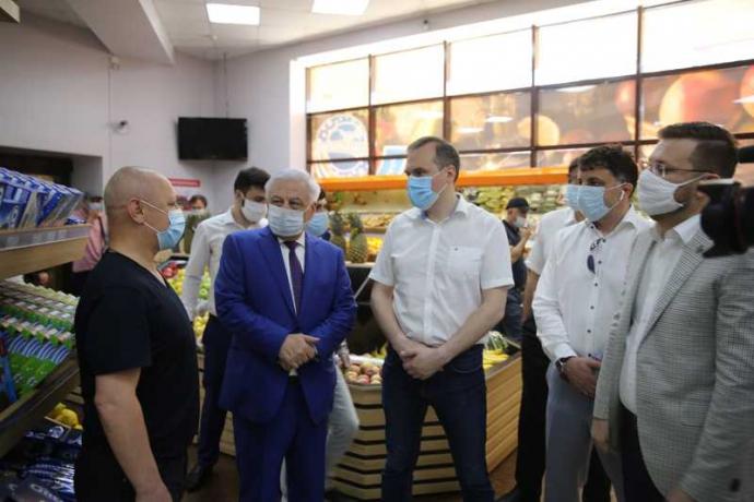 Артем Здунов проверил деятельность предприятий непродовольственной торговли