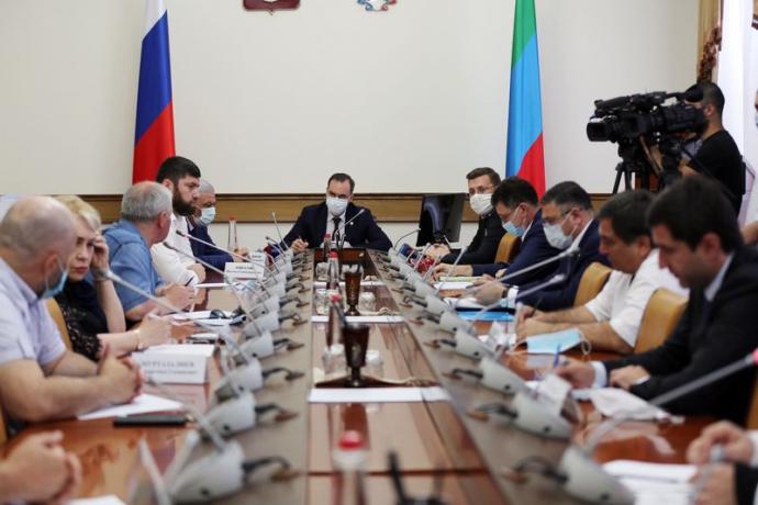 Артем Здунов встретился с представителями рынков Махачкалы