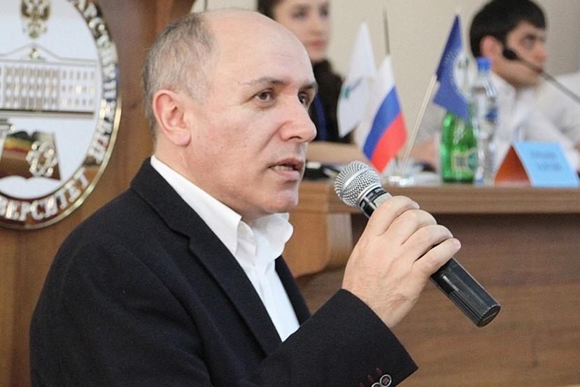 Магомед Гасанов: «Россия изначально объявила себя правопреемником СССР»