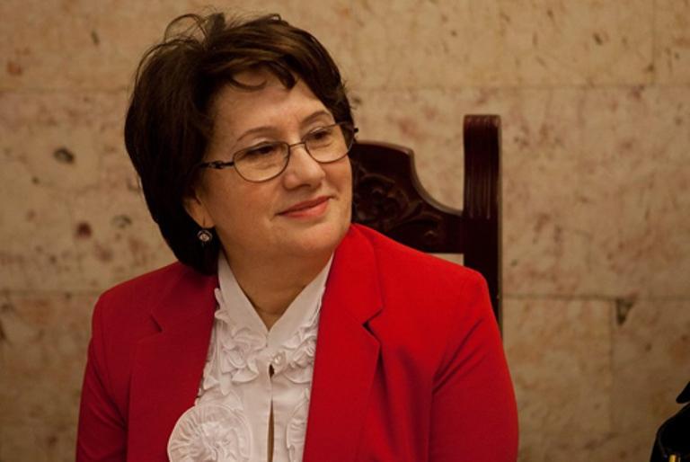 Бурлият Токболатова: «Русский язык лежит в основе межнационального общения»