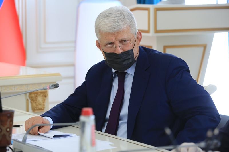 Хизри Шихсаидов объяснил свою просьбу к президенту ускорить принятие поправок