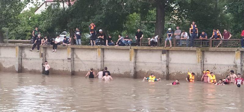 В Кизляре нашли тело утонувшего три дня назад ребенка