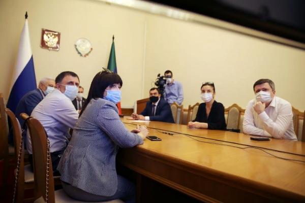 В правительстве Дагестана обсудили переход на второй этап снятия ограничительных мер