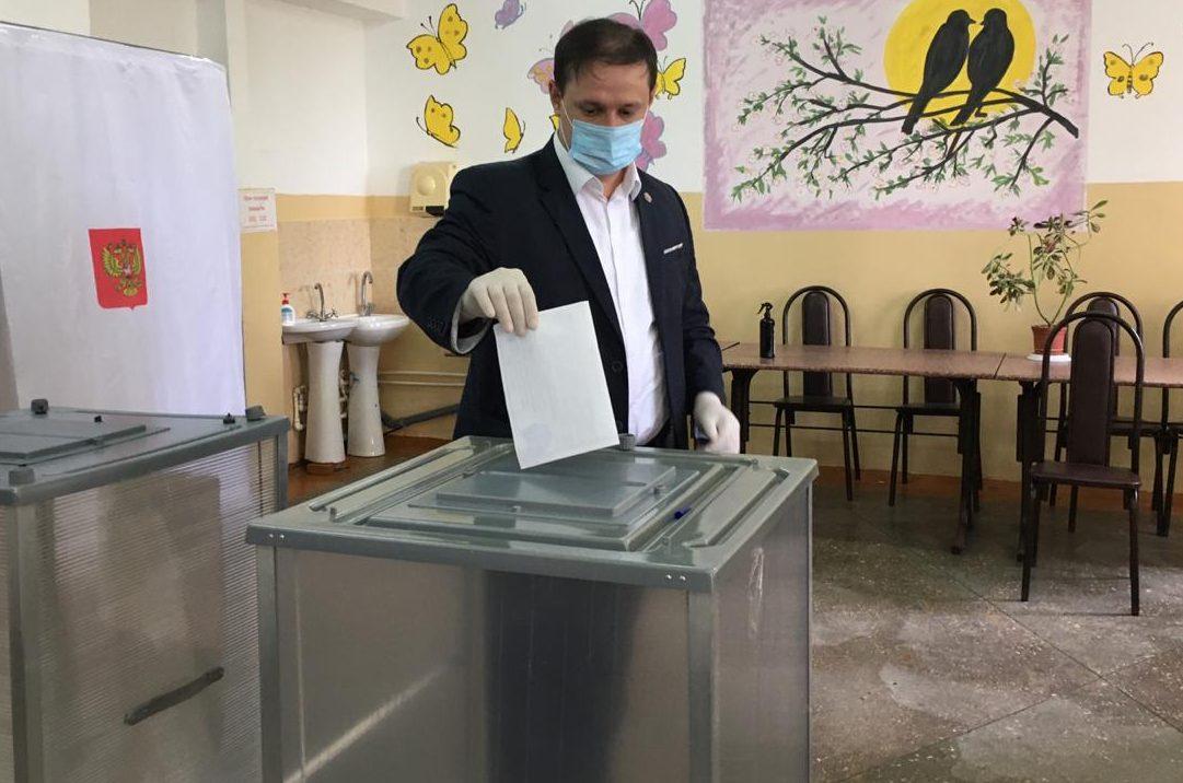 Анвар Халилов: «Каждый должен принимать участие в голосовании по поправкам в Конституцию»