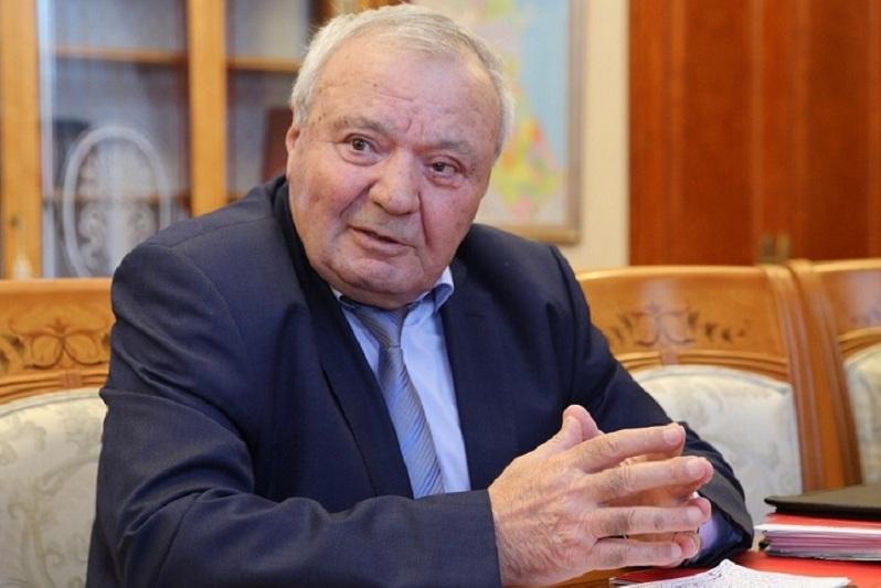 Глава Совета старейшин Дагестана Абдулла Магомедов прокомментировал поправки в Конституцию РФ