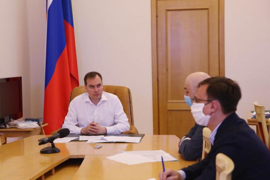 Премьер-министр Дагестана встретился с директором регионального отделения «Почты России»