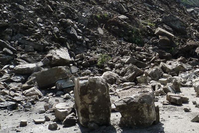 В Тляратинском районе из-за камнепада погиб водитель «Лады»