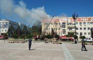 На главной площади Махачкалы горит здание Ростелекома (ФОТО)