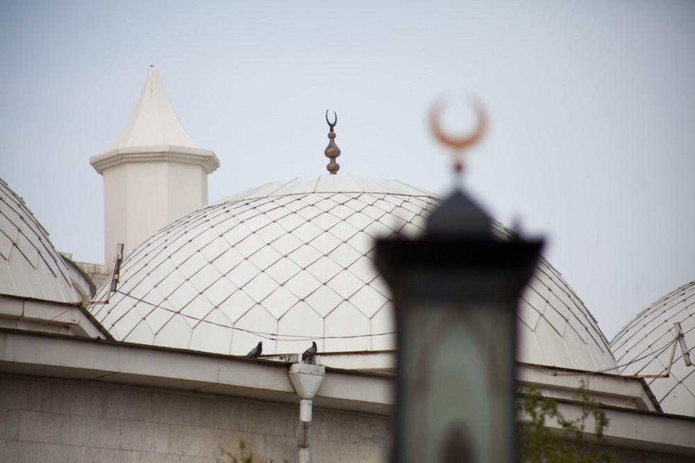 Роспотребнадзор отменил запрет на посещение кладбищ и мечетей в Дагестане
