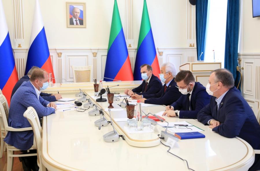 Владимир Васильев и Виталий Иванов обсудили вопрос развития энергетики в Дагестане