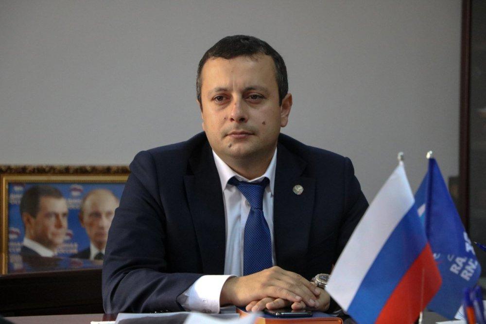 На и. о. главы Дербентского района завели уголовное дело