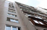 В Каспийске четырехлетний ребенок выпал с восьмого этажа