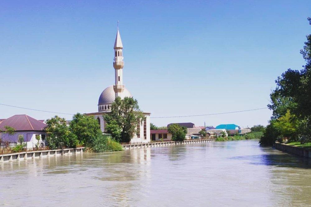 В джума-мечети Кизляра произошел конфликт из-за назначения заместителя имама