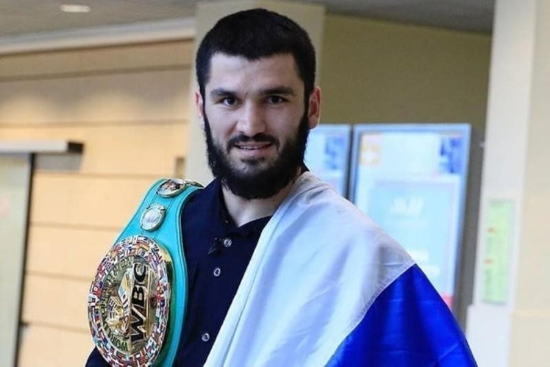 Боксер Артур Бетербиев проведет первый профессиональный бой в России